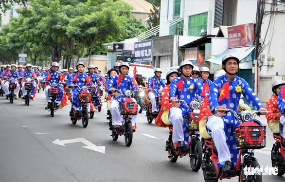 Lễ cưới tập thể của 100 cặp đôi công nhân đúng ngày Quốc khánh - Ảnh 6.