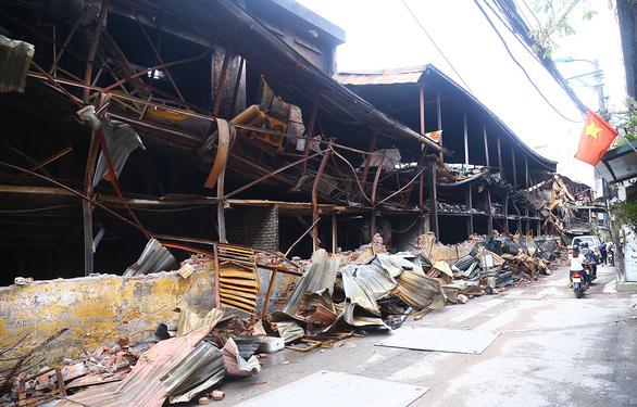 Khuyến cáo sau vụ cháy Công ty Rạng Đông khác nhau làm dân lo lắng - Ảnh 1.