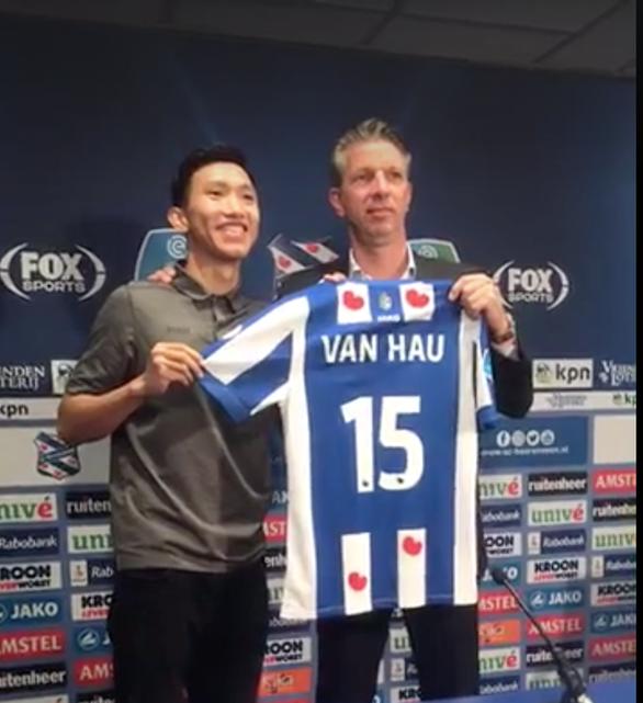 Văn Hậu chính thức ra mắt CLB Heerenveen, hứa cố gắng vì người hâm mộ - Ảnh 1.