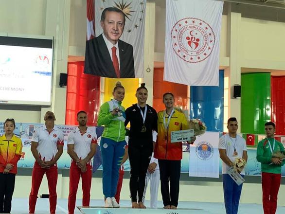 Thể dục dụng cụ Việt Nam giành 2 huy chương ở Cúp thế giới - Ảnh 1.