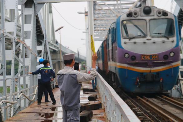 Tháng 10-2019 sẽ tháo dỡ cầu sắt Bình Lợi 117 tuổi - Ảnh 1.