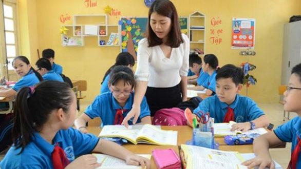 Rộng cơ hội xét vào biên chế cho giáo viên hợp đồng - Ảnh 1.