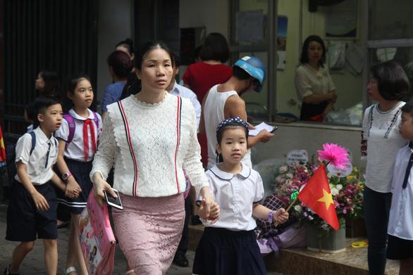 Các trường Hà Nội phải đẩy nhanh thanh toán không dùng tiền mặt - Ảnh 1.
