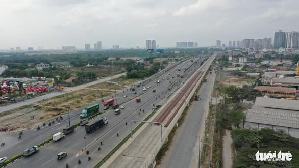 Yêu cầu 3 đơn vị rút kinh nghiệm dự án mở rộng xa lộ Hà Nội - Ảnh 1.