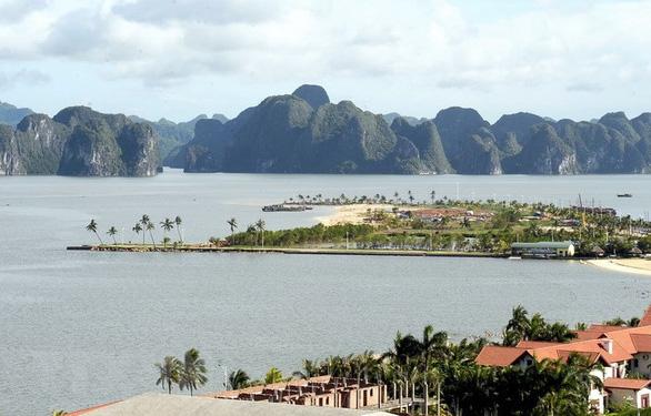 Quảng Ninh công nhận thêm 3 bãi tắm đạt chuẩn bãi tắm du lịch - Ảnh 1.