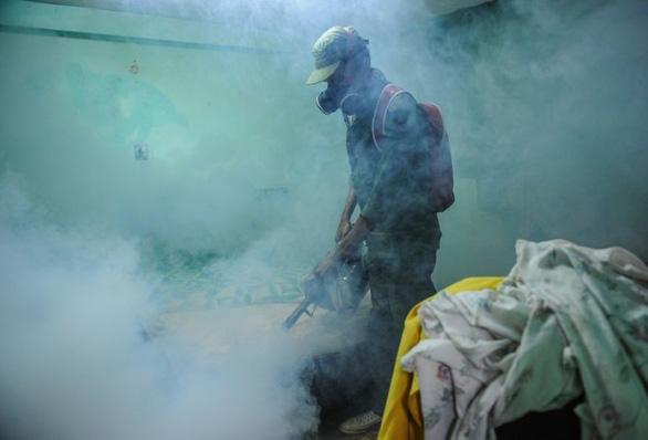 Giới ngoại giao Mỹ, Canada mắc hội chứng Havana từ thuốc diệt muỗi? - Ảnh 1.