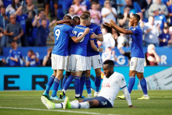 15 phút bùng nổ, Leicester lội ngược dòng hạ đo ván Tottenham - Ảnh 2.