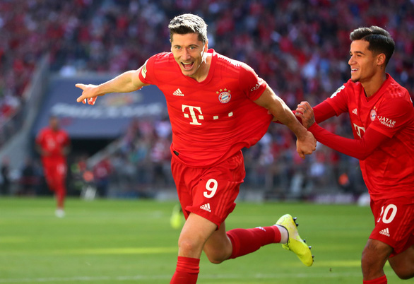 Lewandowski lập cú đúp, Bayern Munich thắng dễ 10 người Cologne - Ảnh 1.