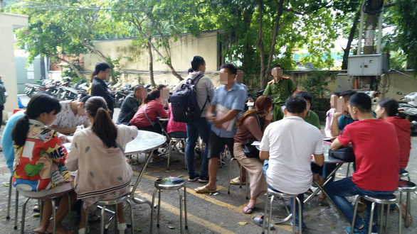 Hàng trăm khách hàng tiếp tục đến Công an TP.HCM tố cáo Alibaba - Ảnh 2.