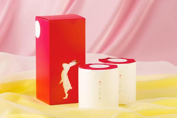 Không phải iPhone 11, người Nhật đang phát cuồng vì giấy vệ sinh 12 USD - Ảnh 1.