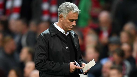 HLV Mourinho: Người ta ghi tên tôi vào những tin đồn - Ảnh 1.