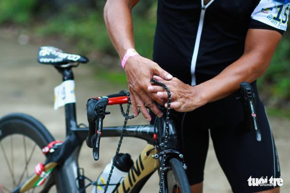 Gần 200 tay đua tham gia thử thách đạp xe leo núi Bạch Mã - Ảnh 5.