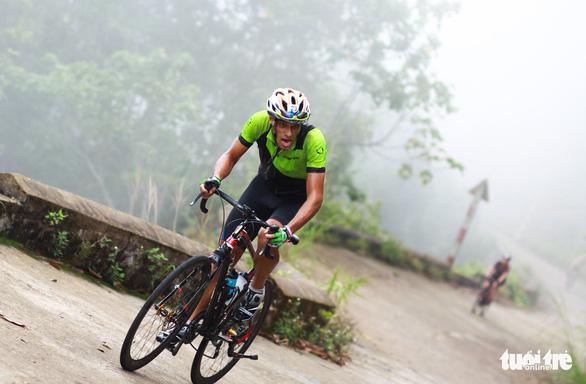 Gần 200 tay đua tham gia thử thách đạp xe leo núi Bạch Mã - Ảnh 4.