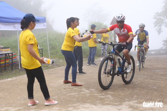 Gần 200 tay đua tham gia thử thách đạp xe leo núi Bạch Mã - Ảnh 7.