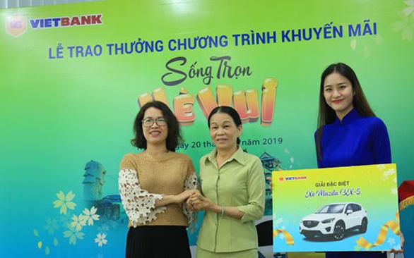 Vietbank trao thưởng xe Mazda CX-5 cho khách hàng gửi tiết kiệm - Ảnh 1.