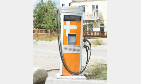 Chính quyền hợp tác tư nhân làm trạm sạc nhanh cho xe điện - Ảnh 1.