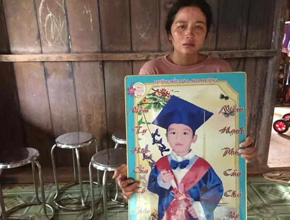 Bé trai 10 tuổi mất tích nghi do bị nước mưa cuốn trôi - Ảnh 1.