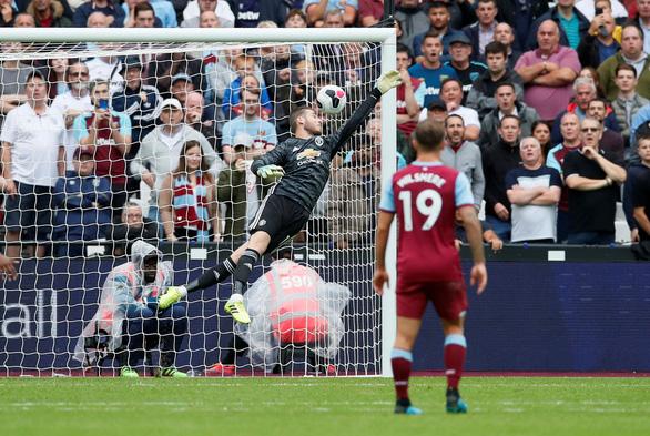 M.U thua trắng trên sân West Ham, HLV Solskjaer 'ngồi trên lửa' - Ảnh 3.