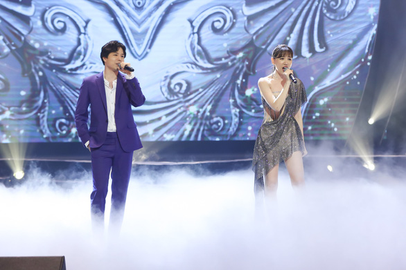 Dù mưa to dai dẳng, live concert của Hari Won vẫn không một ghế trống - Ảnh 11.