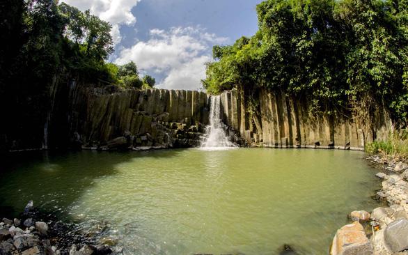 Phát hiện thêm nhiều gành Đá Dĩa tuyệt đẹp ở Phú Yên - Ảnh 1.