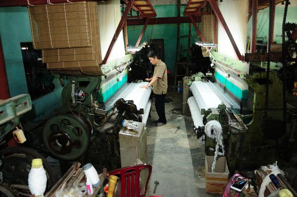Lửa nghề truyền mãi ngàn sau - Kỳ 7: Truyền nhân làng lụa Mã Châu - Ảnh 1.
