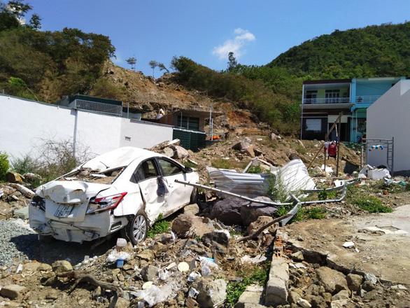 Sạt lở chết cả gia đình tại dự án núi Cô Tiên: Vì sao gần 1 năm chưa khởi tố vụ án? - Ảnh 1.
