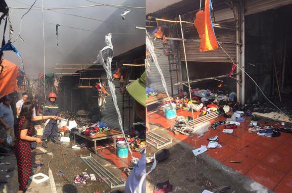 Cháy chợ Tó ở Đông Anh, nhiều gian hàng bị thiêu rụi - Ảnh 6.