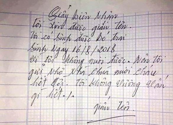 Bé trai 1 tuổi bị bỏ trước cổng chùa cùng lời nhắn xin nuôi cháu hết đời - Ảnh 2.