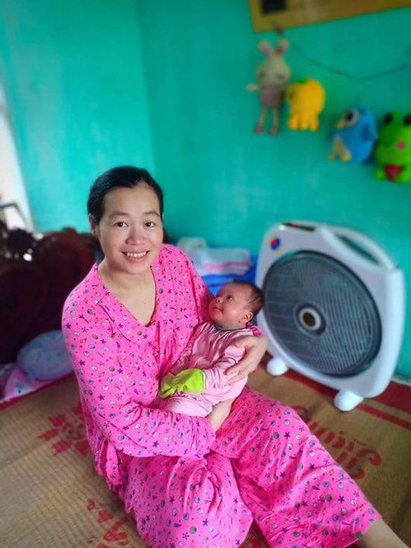 Bà mẹ dũng cảm sinh con sau 11 năm điều trị ung thư máu - Ảnh 1.