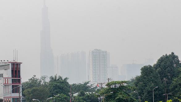 Đo thủ công, thông số ô nhiễm môi trường chậm 1 tháng - Ảnh 1.