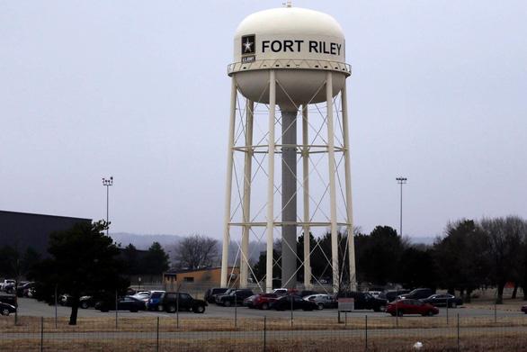 Lính Mỹ đối mặt án tù vì dạy cách chế bom trên mạng - Ảnh 1.