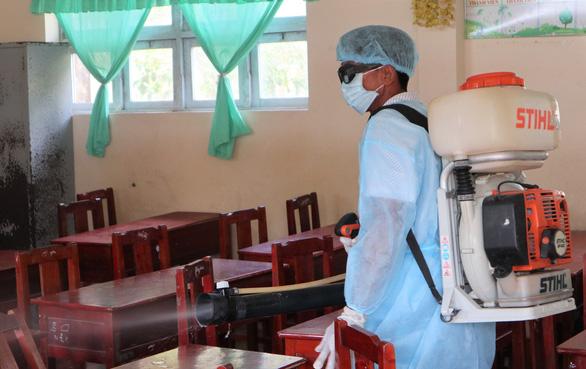 74/440 học sinh Trường tiểu học Nguyễn Văn Huyên nghi viêm hô hấp do thời tiết - Ảnh 1.