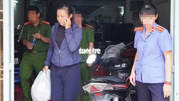 Bắt nữ nhân viên lừa đảo chiếm đoạt hàng tỉ đồng tiền vé máy bay - Ảnh 1.