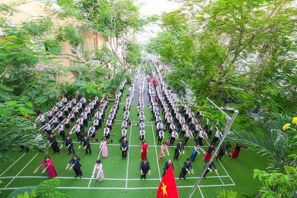 Trường trung cấp Du lịch và khách sạn Saigontourist 30 năm xây dựng và phát triển - Ảnh 1.