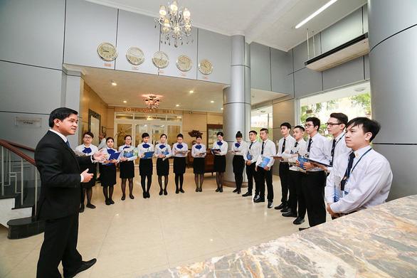Trường trung cấp Du lịch và khách sạn Saigontourist 30 năm xây dựng và phát triển - Ảnh 3.