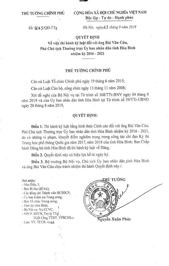 Cảnh cáo phó chủ tịch tỉnh Hòa Bình vụ gian lận thi cử - Ảnh 2.