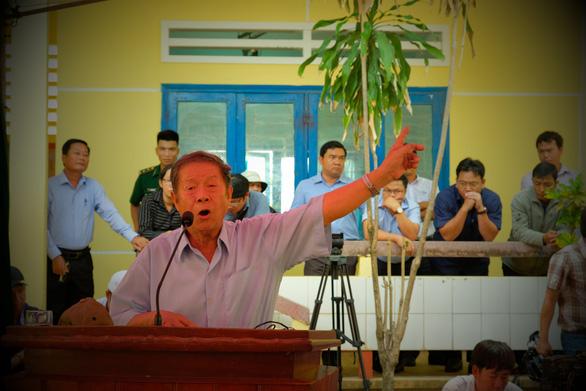 Căng thẳng đối thoại rác thải ở Quảng Ngãi - Ảnh 4.