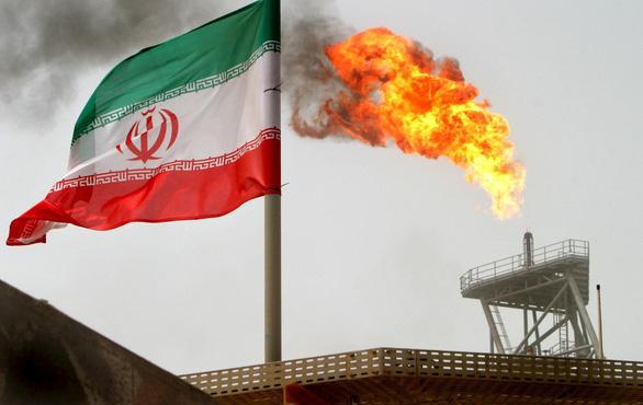 Mỹ trừng phạt nhiều cá nhân, tổ chức của Trung Quốc vì cố tình mua dầu Iran - Ảnh 1.
