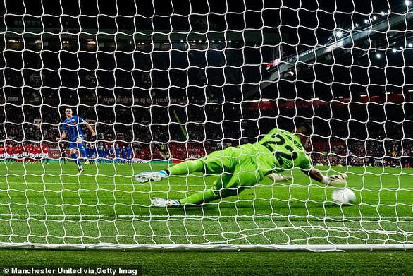 Cúp Liên đoàn Anh: Chelsea đại thắng, M.U 'nín thở' đi tiếp - Ảnh 3.