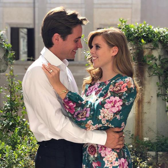 Công chúa Anh đính hôn với đại gia bất động sản Edoardo Mapelli Mozzi - Ảnh 1.