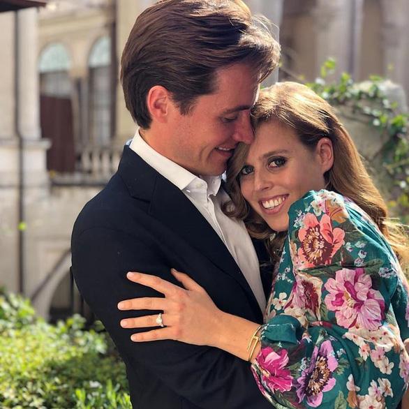 Công chúa Anh đính hôn với đại gia bất động sản Edoardo Mapelli Mozzi - Ảnh 2.