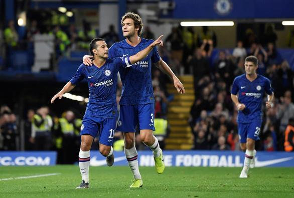 Cúp Liên đoàn Anh: Chelsea đại thắng, M.U 'nín thở' đi tiếp - Ảnh 1.