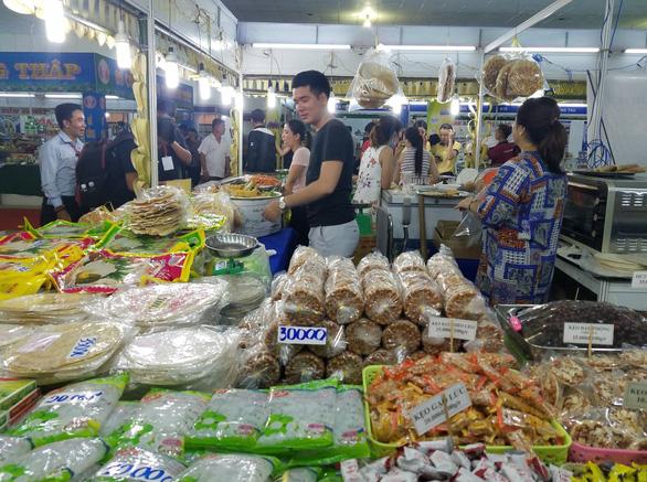 Hàng ngàn sản vật của 45 tỉnh thành ê hề trước mắt người Sài Gòn - Ảnh 9.