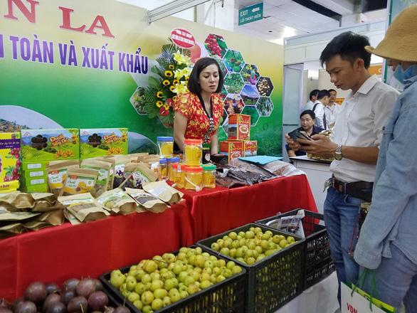 Hàng ngàn sản vật của 45 tỉnh thành ê hề trước mắt người Sài Gòn - Ảnh 6.