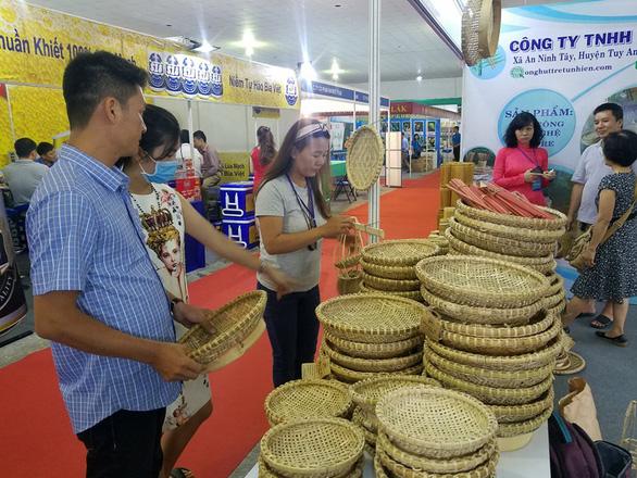 Hàng ngàn sản vật của 45 tỉnh thành ê hề trước mắt người Sài Gòn - Ảnh 10.