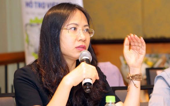 ba xuan thuy (ao den) 5(read-only)