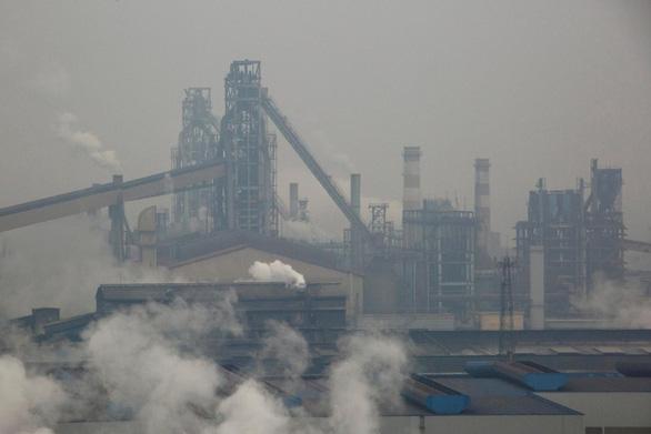 Trung Quốc nỗ lực tẩy sạch bầu trời dịp kỷ niệm 70 năm quốc khánh - Ảnh 1.