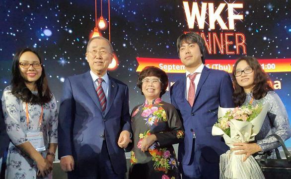 Bà Thái Hương nhận giải thưởng Nữ doanh nhân quyền lực ASEAN - Ảnh 2.