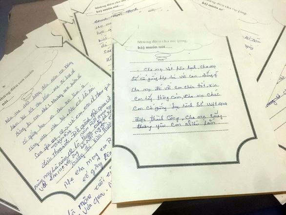 Buổi họp phụ huynh kỳ lạ với những bức thư tình - Ảnh 3.