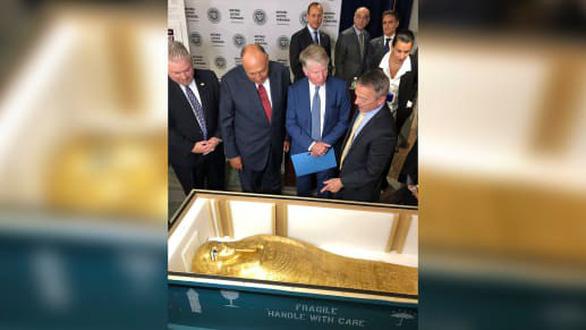 Quan tài vàng 4 triệu USD được về quê sau gần 10 năm bị đánh cắp - Ảnh 2.